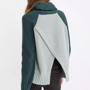 NWT Colorblock Eastbrook Turtleneck Sweater